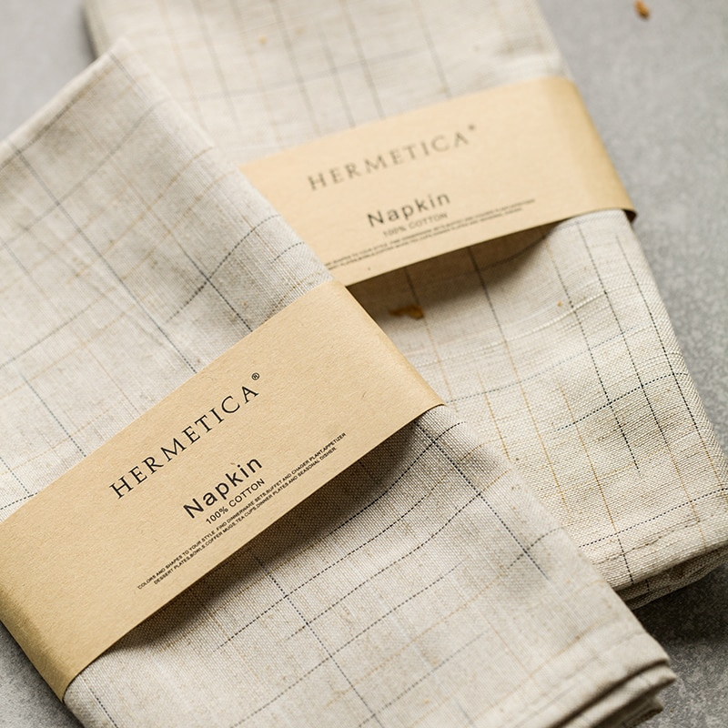 simple guide to table linen